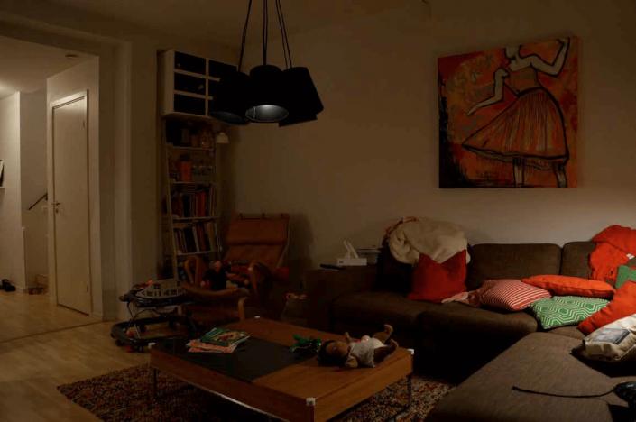 Mörkt vardagsrum