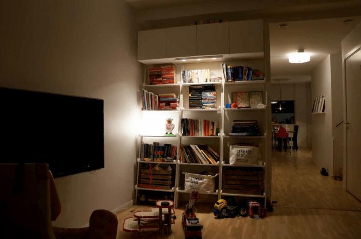 Ljusare rum med bättre ljus från bokhylla