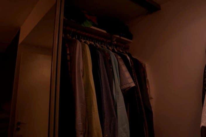 Mörk garderob
