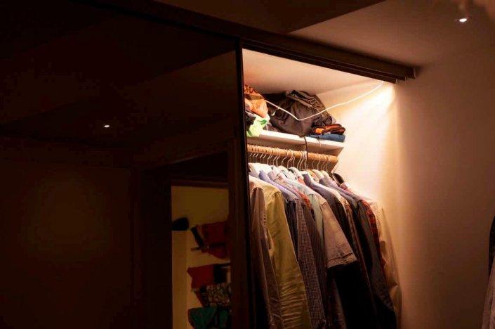 Bra belyst garderob